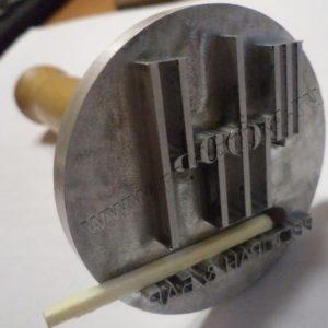 металлическая печать с ручкой