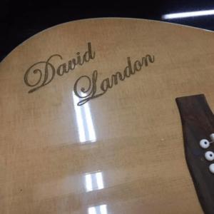 гитара с гравировкой